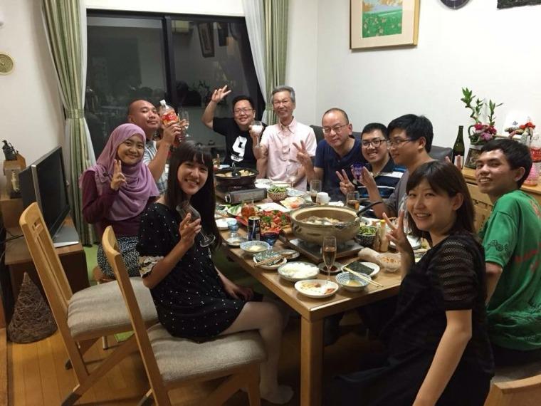 Makan malam bersama keluarga Minako-san